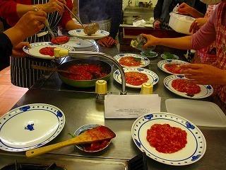 トマト盛り付け.jpg
